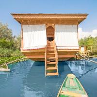 2 BHK Houseboat in Dal Lake, Srinagar(7471), by GuestHouser