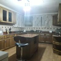Lady Jay's Spacious 3 Bedroom Home