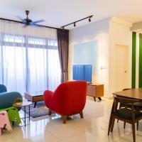 Colorful Design Home | 1-min to Legoland