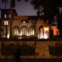 Historic Gated 6 bdr Villa W/Pool in Coconut Grove