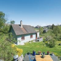 Four-Bedroom Holiday Home in Hellvik