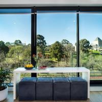 Your Melbourne Pad: Amazing Views on City Edge