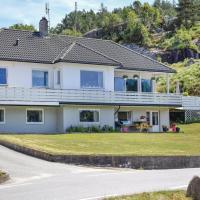 Two-Bedroom Apartment in Hellvik