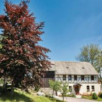 Two-Bedroom Apartment in Zeulenroda-Triebes