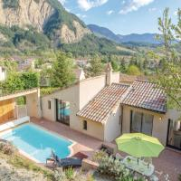 Four-Bedroom Holiday Home in Chatillon en Diois