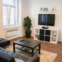 Sunny Airconditioned Apartment in the Centre