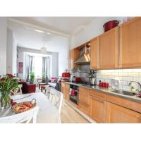 Beautiful Victorian 2 BedRooms Flat with a Garden