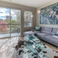 NEW 2 BR Downtown Modern Condo! King Bed! Parking!