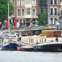 Art nouveau houseboat, in hart of the city center