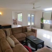 Edge Hill Clean & Green Cairns, 7 Minutes from the Airport, 7 Minutes to Cairns CBD & Reef Fleet Terminal