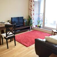 1 Bedroom Apartment in Canary Wharf with Balcony