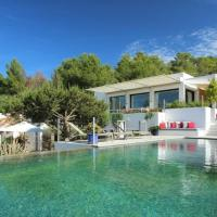Cala Tarida Villa Sleeps 12 Pool WiFi