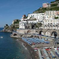 Atrani Apartment Sleeps 4 Air Con