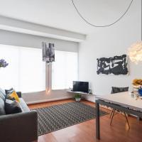B&W Lomas Apartment