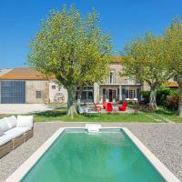 Les Baux de Provence Villa Sleeps 10 Pool