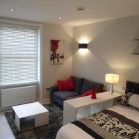 Modern Studio Apartment at Thames River