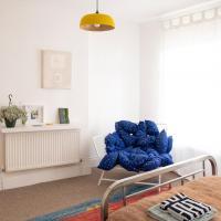 Bright Room in Artist Residence, Creative Quarter Folkestone