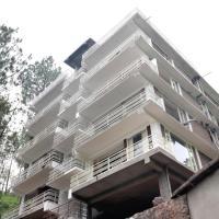 OYO 16479 Home Luxurious 2BHK Apartment Kasauli