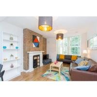 Beautiful 3 bedroom flat 5 min from tube station