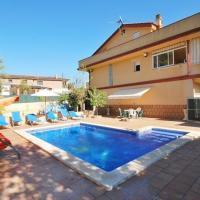 El Llac del Cigne Villa Sleeps 8 Pool Air Con WiFi