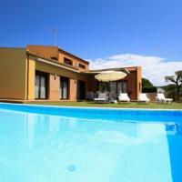 Esclanya Villa Sleeps 8 Pool WiFi