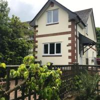 Enfield House Holiday Cottage