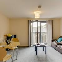 1BR apartment in a beautiful building, walking distance from the Curve Theatre!