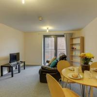 1BR apartment, walking distance from the Curve Theatre!
