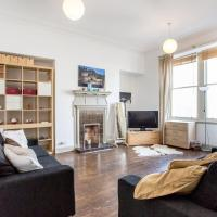 Spacious Frederick Street Flat Heart of the Centre