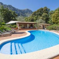 Lluc Villa Sleeps 8 Pool Air Con WiFi