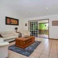 Kewarra Beach Hideaway - Three Bedroom House with Pool