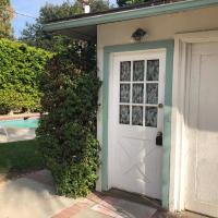 Lovely One Bedroom Home with Pool