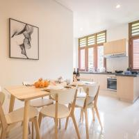 Huge, central apartment near MRT for large group