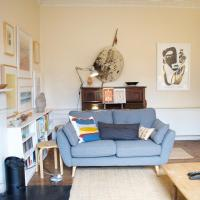Stylish Georgian Apartment in Leith