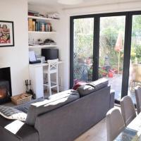 3 Bedroom House With Garden in Brixton