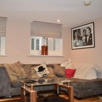 2 Bedroom Apartment 10mins from Central Manchester