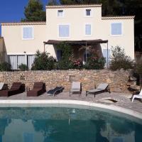 Villa avec piscine capacité 15 personnes