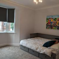 Spacious modern apartment in the heart of Golders Green