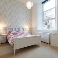 Elegant & Spacious 2 bedroom Apt - 10 mins to city