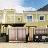 Three-Bedroom Holiday Home in Buenavista del Norte