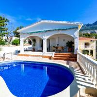 Bernia Villa Sleeps 6 Pool Air Con WiFi