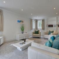 Great Torrington Villa Sleeps 12 WiFi