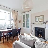 Refined Victorian apartment near Camden