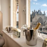 An Exclusive Private Apartment on Cathedral Green
