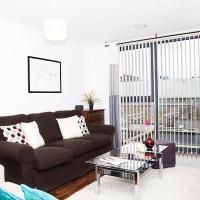 City of London Apartment Sleeps 4 WiFi