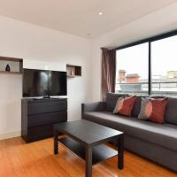 Upper Farringdon Apartment Sleeps 4 WiFi