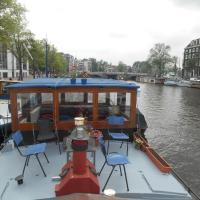 Waterloo square river vieuw houseboat