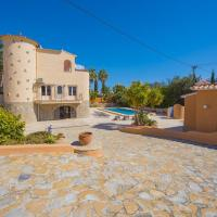 Calpe Villa Sleeps 12 Pool
