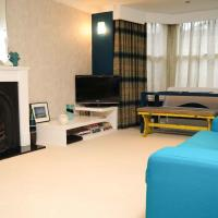 Stylish Kelvingrove Park Apartment