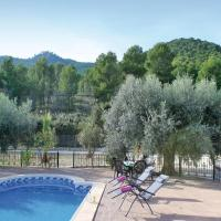 Three-Bedroom Holiday Home in Moratalla